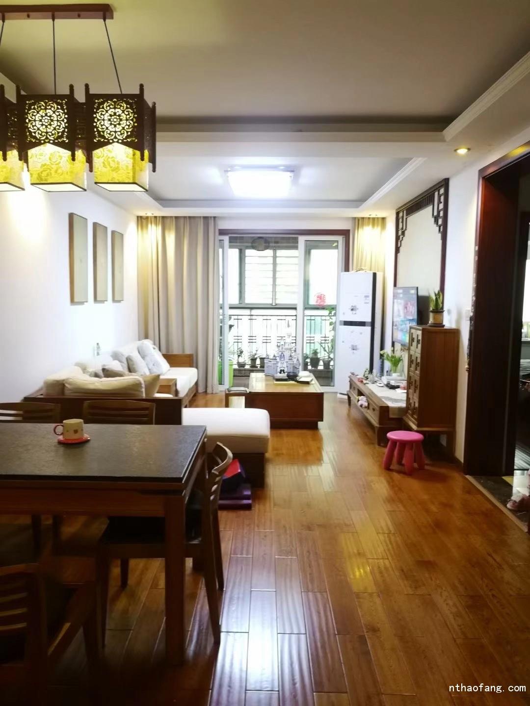 优山美地名邸   满五唯一,114平 一手实木精装自住 装修 210万  看房方便