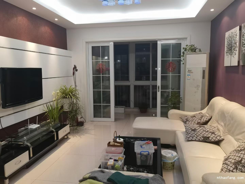 天润家园103.76平,3室一厅,黄金楼层,精装,独立车库,售215万